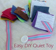 Passa-passa de feltro, fita e botões | Button and Squares Quiet Toy