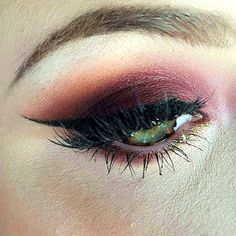 I used Morocco as my transition color then I layered Cupcake to add some pink. Then I used Cherry Cola [...]