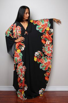 Floral kaftan dress by Nuichan African Maxi Dresses, Latest African Fashion Dresses, African Dresses For Women, African Print Fashion, Africa Fashion, African Attire, African Wear, Setswana Traditional Dresses, African Lace Styles