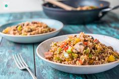 This Cajun Dirty Rice is our new and improved, slimming friendly version of one of our most popular recipes this year! Slimming World Chicken Fried Rice, Dirty Rice Slimming World, Weight Watchers Food List, Couscous, Cajun Dirty Rice Recipe, Rice Recipes, Healthy Recipes, Healthy Food, Recipies