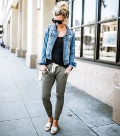 Three tips for styling joggers jogger pants outfits стиль од Adrette Outfits, Casual Outfits, Fashion Outfits, Womens Fashion, Casual Travel Outfit, Cute Travel Outfits, Fashion Ideas, Spring Outfits Women Casual, Old Navy Outfits