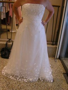 Amy Ponds wedding dress. In love!     I might have to get this one :) to complete the Doctor Who wedding :)