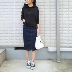hiromiさんはInstagramを利用しています:「18.03.23♡ . パーカー+タイトスカート。 . . ミュージックステーションの卒業旅立ち特集に涙でるー✨ . 若いっていいなー✨ . それにしても、 ランキングの曲に世代の違いを感じる。笑。 オバチャン、知らん曲もあるわー。笑。 . …若いっていいなー . .…」
