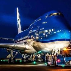 "KLM Royal Dutch Airlines Boeing 747-406M (registered PH-BFT; named ""City of Tokyo"")"