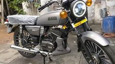 Top 10 Modified Yamaha RX 100 Motorcycles in India Yamaha Rx 135, Yamaha Bikes, Madras Cafe, Motorcycles In India, Headlight Covers, Bike Prices, Luxury Interior Design, Image House, New Model