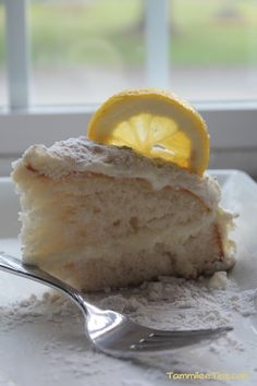 Copy Cat Olive Garden Lemon Cream Cake Recipe