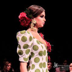 Pedro Béjar nos maravilla con #OMNIUM donde #BlancoAzahar ha tenido el placer de colaborar con sus #Floresdeflamenca . Simof 2018 - Salón Internacional de Moda Flamenca 2018 en Fibes Sevilla. Colección que toma el nombre originario de la localidad natal del diseñador, #Hinojos. #PedroBéjar #moda #fashion #ModaFlamenca #Sevilla #TrajesdeFlamenca #Simof #photography by @LolaMontiel#photography by @lolamontiel.creative Ruffle Blouse, Tops, Women, Fashion, Xmas, Moda, Fashion Styles, Fashion Illustrations, Woman
