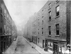 years gone by. Ireland Pictures, Old Pictures, Old Photos, Irish Independence, Photo Engraving, Ireland Homes, Dublin City, Dublin Ireland, Historical Photos