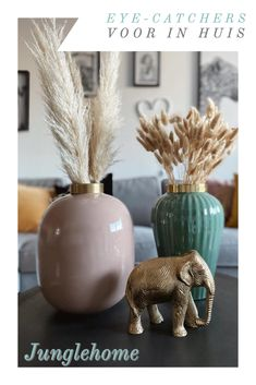Makeup Rooms, Beautiful Interiors, Decorative Items, Sculptures, Room Ideas, Decorations, Turquoise, Living Room, Bedroom