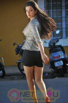 Here are 15 Unbelievable Hot photos of Kajal Aggrawal that will blow your mind. She is very very beautiful with hot and sexy looking figure. Kajal Aggarwal Hot photos is a Sexy actress in Bollywood… South Indian Actress Hot, Indian Bollywood Actress, Indian Actress Hot Pics, Bollywood Actress Hot Photos, Bollywood Girls, Beautiful Bollywood Actress, Beautiful Actresses, Bollywood Bikini, South Actress