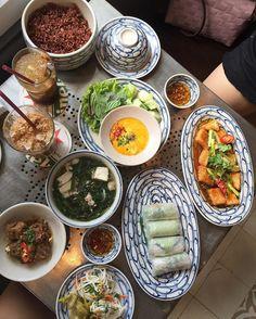 Chị Hoa - Vietnamese Cuisine - 31A Lê Thánh Tôn Quận 1. Photo by @emilyeatsalatte #nccsaigon #nhacuacoffeeholic by nhacuacoffeeholic