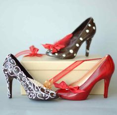 Chocolate heels  Chocolatier Tina Tweedy expertly combines a woman's favourite things – shoes and chocolate. Enough said! Completely made of chocolate!!  Photo credit: thechocolatelife