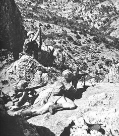 French paratroopers of 3ème RPC (Colonial Airborne Infantry) during the fights of Oued Merza. Algeria, pin by Paolo Marzioli
