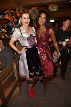Pin for Later: Das war das Oktoberfest 2015 in Bildern Verena Kerth und Marie Amière