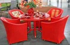 Gartenmöbel - Set aus Polyrattan in rot, sehr robust, plegeleicht und langlebig