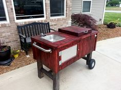 Recycled pallets into a party on wheels!