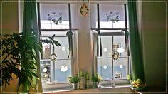 Roletka s motivem jara Ručně malovaná v jarních barvách. Možnost výběru motivu, barev a velikosti. Cena uvedena ve velikosti 100 x 140 cm.