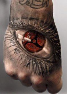 czerwona źrenica oka