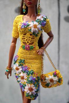 Bildresultat för free crochet doll costumes for barbie dolls Crochet Doll Dress, Crochet Barbie Clothes, Doll Clothes Barbie, Barbie Dress, Barbie Patterns, Doll Clothes Patterns, Barbie Wardrobe, Knitting Dolls Clothes, Doll Costume
