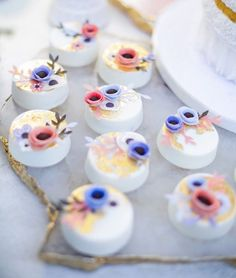 """""""The most beautiful white chocolate dipped Oreos with gold leaf and wafer paper florals all for @missmultee's @riflepaperco baby shower she threw! Stunning…"""""""