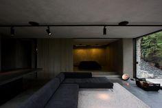 Mountain Retreat, a modern cabin by Fearon Hay