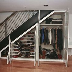 Wondering how to creatively utilize the space under stairs? You can make there a play house, bathroom, garden or even a home office. Closet Under Stairs, Space Under Stairs, Under Stairs Cupboard, Basement Stairs, Basement Bedrooms, House Stairs, Kids Bedroom, Staircase Storage, Stair Storage