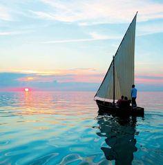 Maldivas es un archipiélago formado por 1.190 islas coralinas agrupadas en 26 atolones del Índico.
