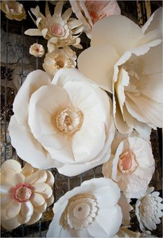 giant paper flower decor #weddingdecor #paperflowers #weddingchicks http://www.weddingchicks.com/2014/04/07/playful-pink-and-navy-wedding/