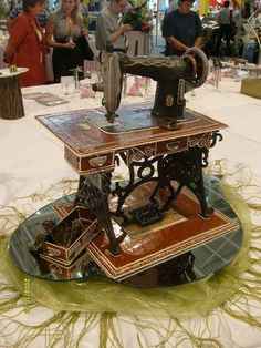 House Cake, Antique Sewing Machines, Gingerbread Houses, Bird Cage, Cake Cookies, 3 D, Breads, Sugar, Antiques