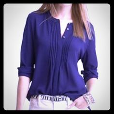 Banana republic new blouse XS blue Banana republic extra small blouse new without tags's to be tucked in or worn out loosefitting deep blue purple color Banana Republic Tops Blouses