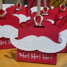 24 solcher Tütchen mit Aufschriften: noch 23 Tage, noch 22 Tage ... heute heißt es: Ho! Ho! Ho! (Christmas Wrapping)