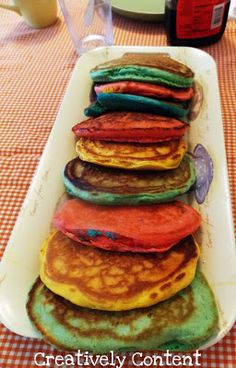 Colourful pancakes makes a family breakfast extra exciting. Simple ideas for family time.