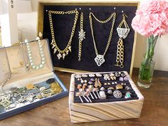 Love the use of vintage Jewelry boxes!