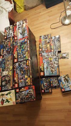 Huge Lot of Assorted Minecraft and Superhero DC/Marvel LEGO Bricks
