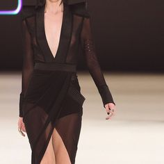 No such thing as too much black... obsessed with this sleek and simple look from Zhivago at Mercedes Benz fashion week.