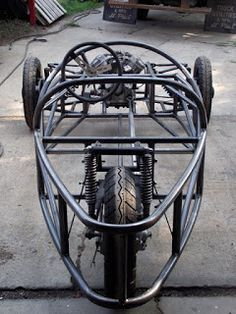 Gokart Plans 680043612454056702 - 2013 2015 It will be 4 years this fall that I bought the parts bike and started building the chassis. 2 and 4 years have… Source by ascovitamine Velo Design, Morgan Cars, Microcar, Reverse Trike, Trike Motorcycle, Transporter, Pedal Cars, Mini Bike, Diy Car