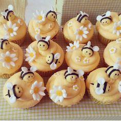 Bee Cupcakes - Beanie's Bakery