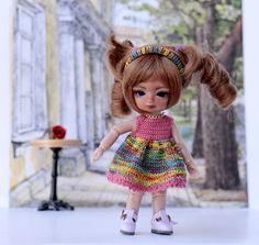 """4"""" BJD doll crocheted summer dress and headband. Dollhouse doll clothes. hujoo baby. Tiny bjd dress. BJD Lati Puki hujoo baby.Rainbow dress by Creativhook on Etsy"""