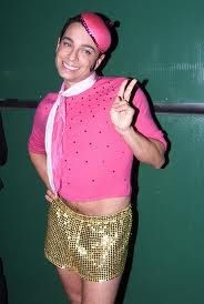 SNL - I fucking love me some Chris Kattan... My childhood wouldn't be the same without this.