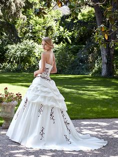 Hellebre wedding dress, burgundy wedding gowns - Point Mariage -Ewedding