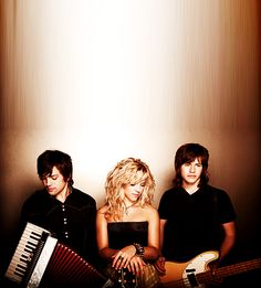 The Band Perry. (country group)