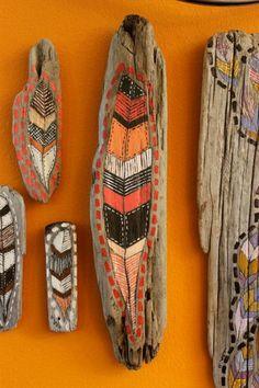 création-en-bois-flotté-motifs-indiens-originaux-panneau-mural