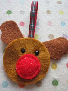 Pickle-Lily: Easy-Peasy Reindeer Ornament of Broach