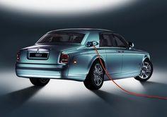 Rolls Royce : un SUV hybride rechargeable en préparation