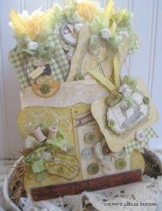 Simply amazing pocket card with tags by Cherry Nelson ... if this doesn't put you in the spring spirit, I don't know what will!  Beautiful @Cherry Nelson!!!