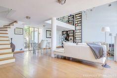 Una mansión que combina estilo provenzal, Art Decó y mobiliario moderno para construir un espacio original y elegante.