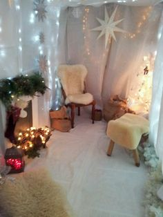Beautiful Santas Grotto Try It At Your Pta Pto Christmas Fair. Christmas Grotto Ideas, Christmas Fayre Ideas, Christmas Inspiration, Christmas Decorations, Childrens Christmas, Preschool Christmas, Kids Christmas, Christmas Tables, Father Christmas