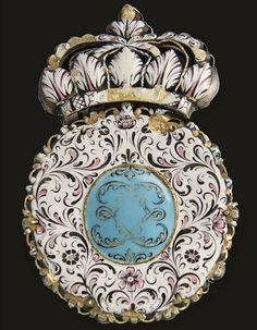 a miniature portrait in enamel depicting Louis XIV, in its original jewelled setting, also called a 'boîte à portrait'. Louis Xiv, Royal Collection Trust, Leather Box, Albert Museum, Portrait, Art Decor, Miniatures, Jewels, Frame