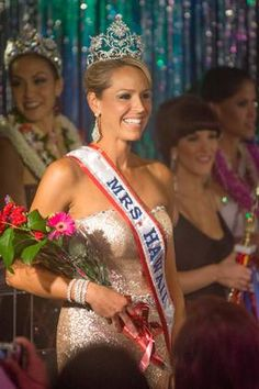 Check it out! The newly-crowned Mrs. Hawaii is registered dietitian Stacey Bass Snee