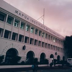 Mapua Institute of Technology Where: Intramuros, Manila Motto: Learn, Discover, Create Type: Private, nonsectarian Take a pic with: the Mapua Research Building at sunset. Cancun Hotels, Beach Hotels, Beach Resorts, Beach Vacations, Beach Trip, Hawaii Beach, Oahu Hawaii, Beach Travel, Intramuros